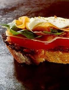 crostini-au-jambon-de-parme-et-a-la-mozzarella_large_recette