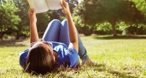 lire dans un parc